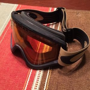NWOT Oakley goggles